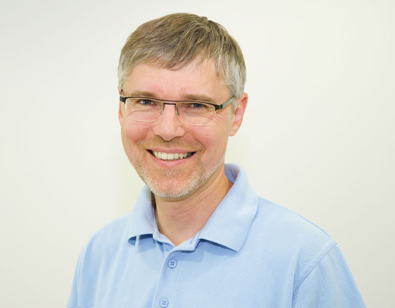 Dr. Bernd Kramer
